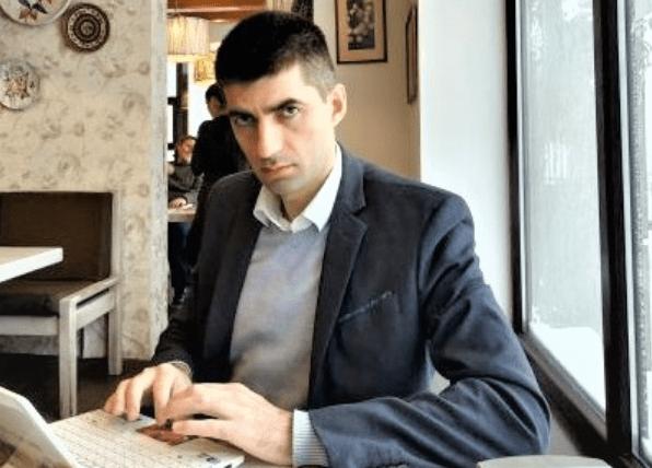 """Nga Bilbil Beqiri: Edhe qeverisja më e keqe, ka """"të lumturit"""" e saj - APEL  MEDIA"""